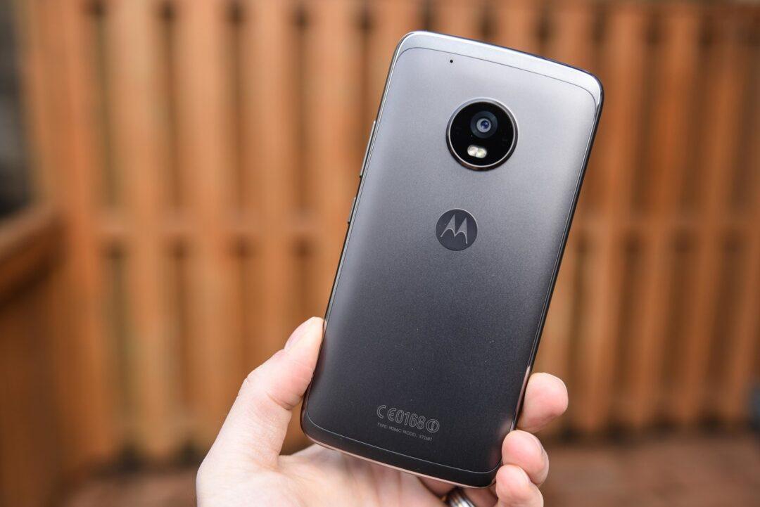 moto-g5-plus-review-7 - Best Phones Under Rs 10,000