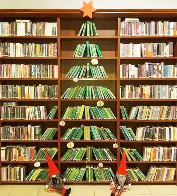 1 Christmas Tree At A Public Library