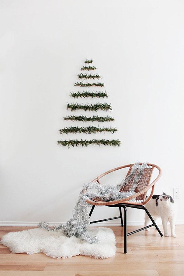 45. DIY Makeshift Xmas Tree
