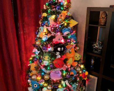 50. Merry Xmas With A Pokemon Tree