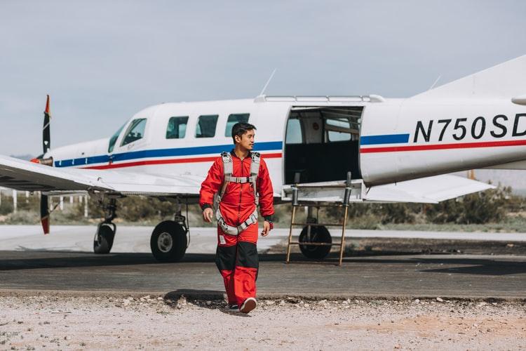 Airplane Repo Person