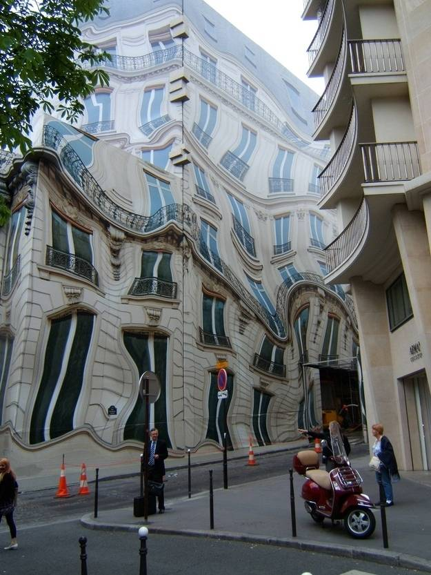 11.-This-building-isnt-melting