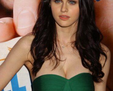 Alexandra Daddario Hot Images