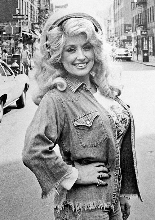 Celebrities 10 Dolly-Parton
