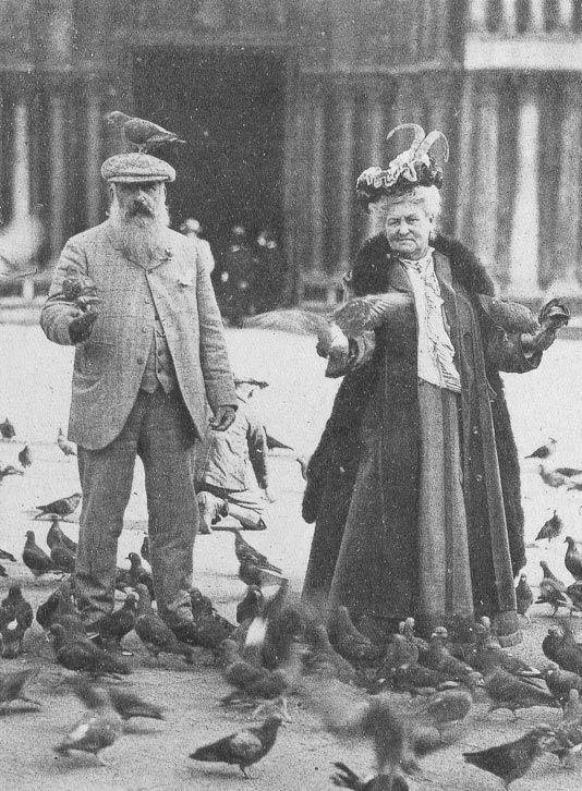 Monet-with-a-pigeon-on-his-head.