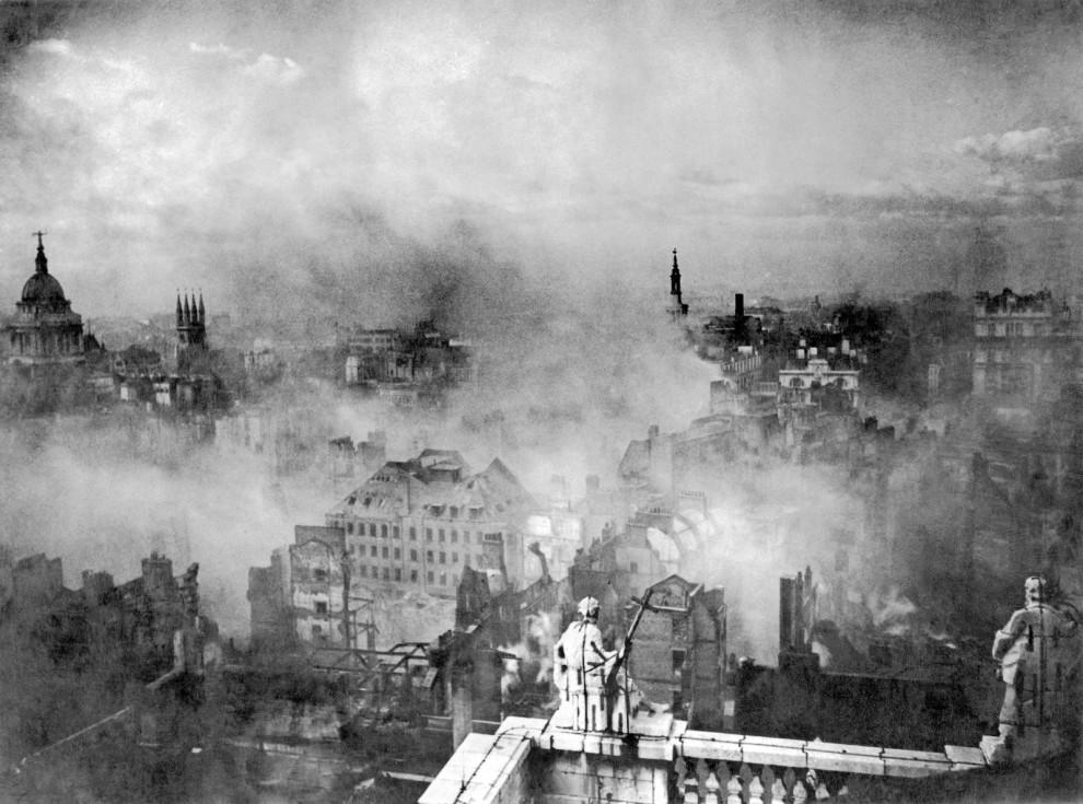 v17 London-in-smoldering-Vintage-Pictures