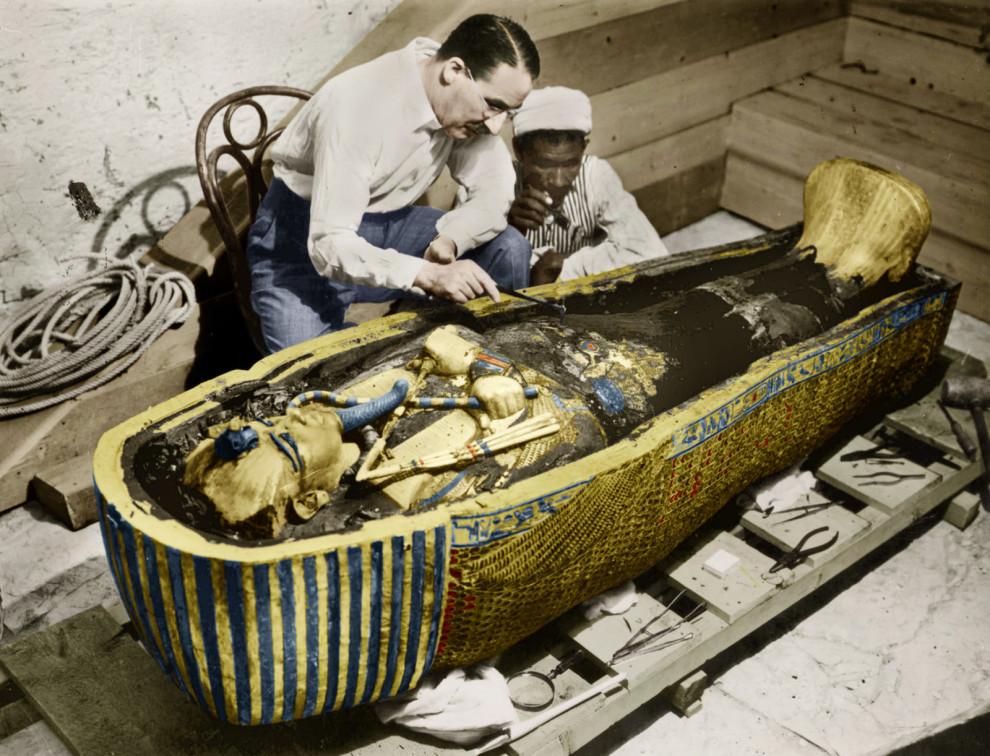 v19 King-Tut's-golden-Vintage-Pictures