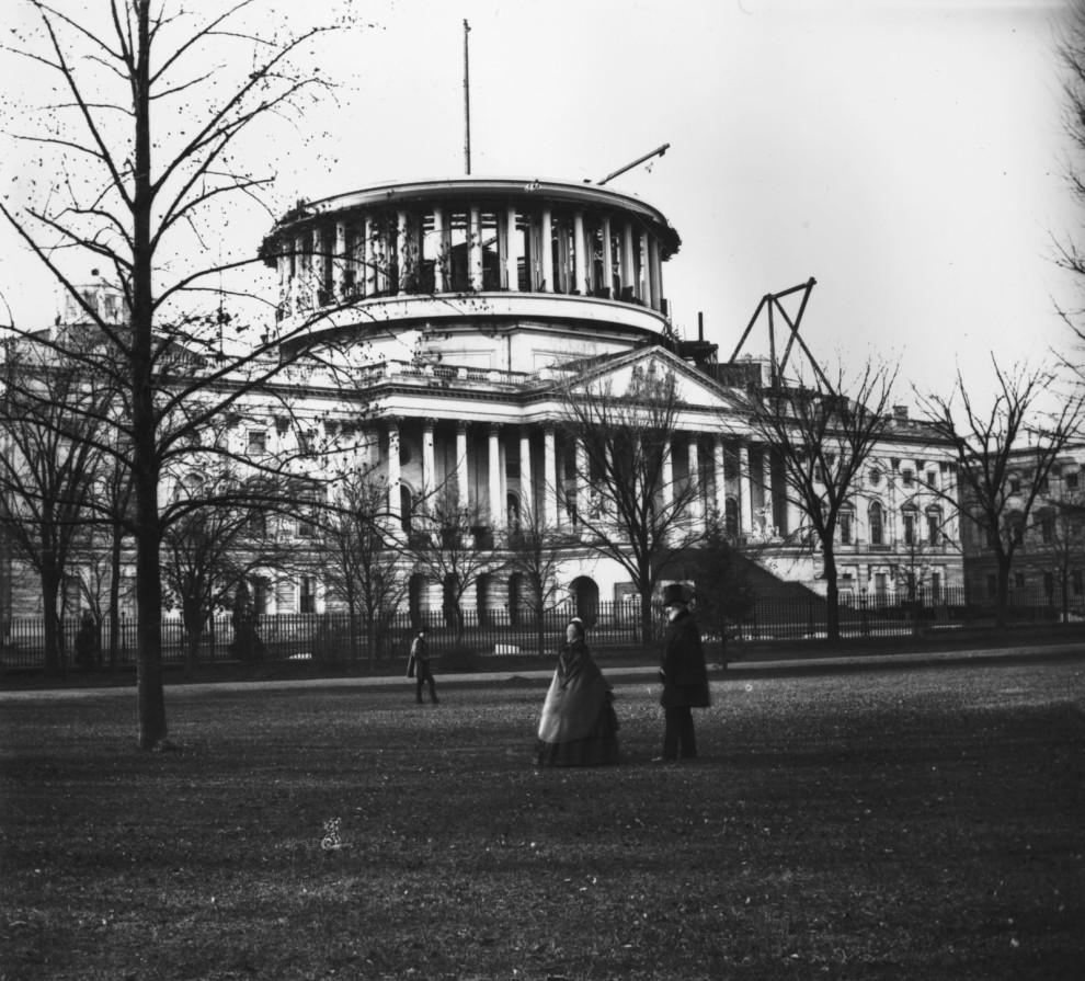 v22 United-States-Capitol-Vintage-Pictures