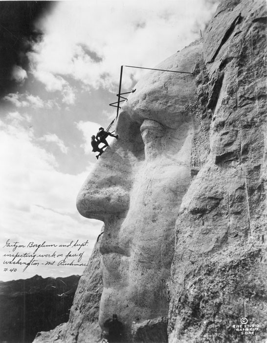 v8 Mount-Rushmore-Vintage-Pictures