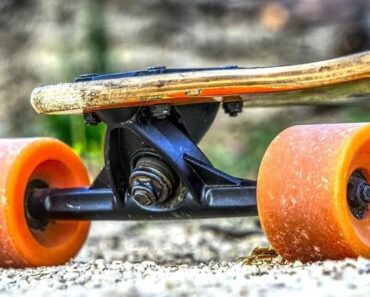 Choose the Best Wheels for your Longboard - The Ultimately Longboard Wheels Buying Guide